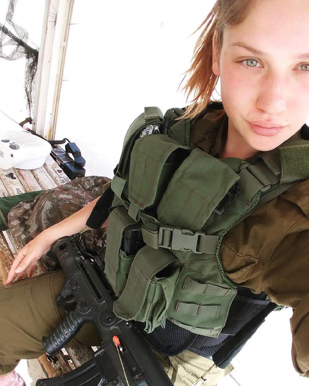 Women in israel defense forces IDF military girls
